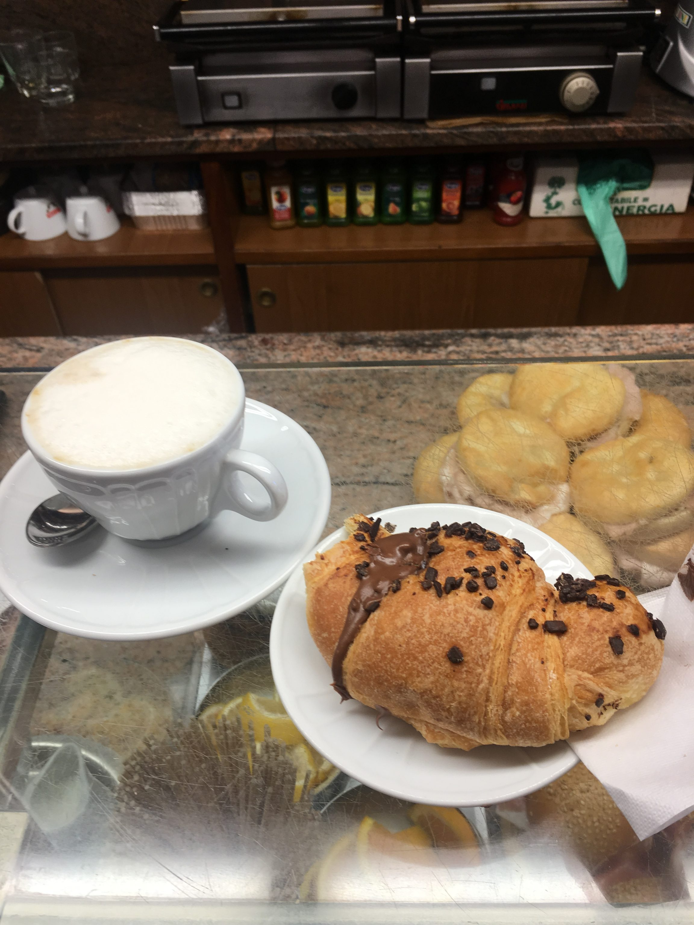 Cappuccino and brioche