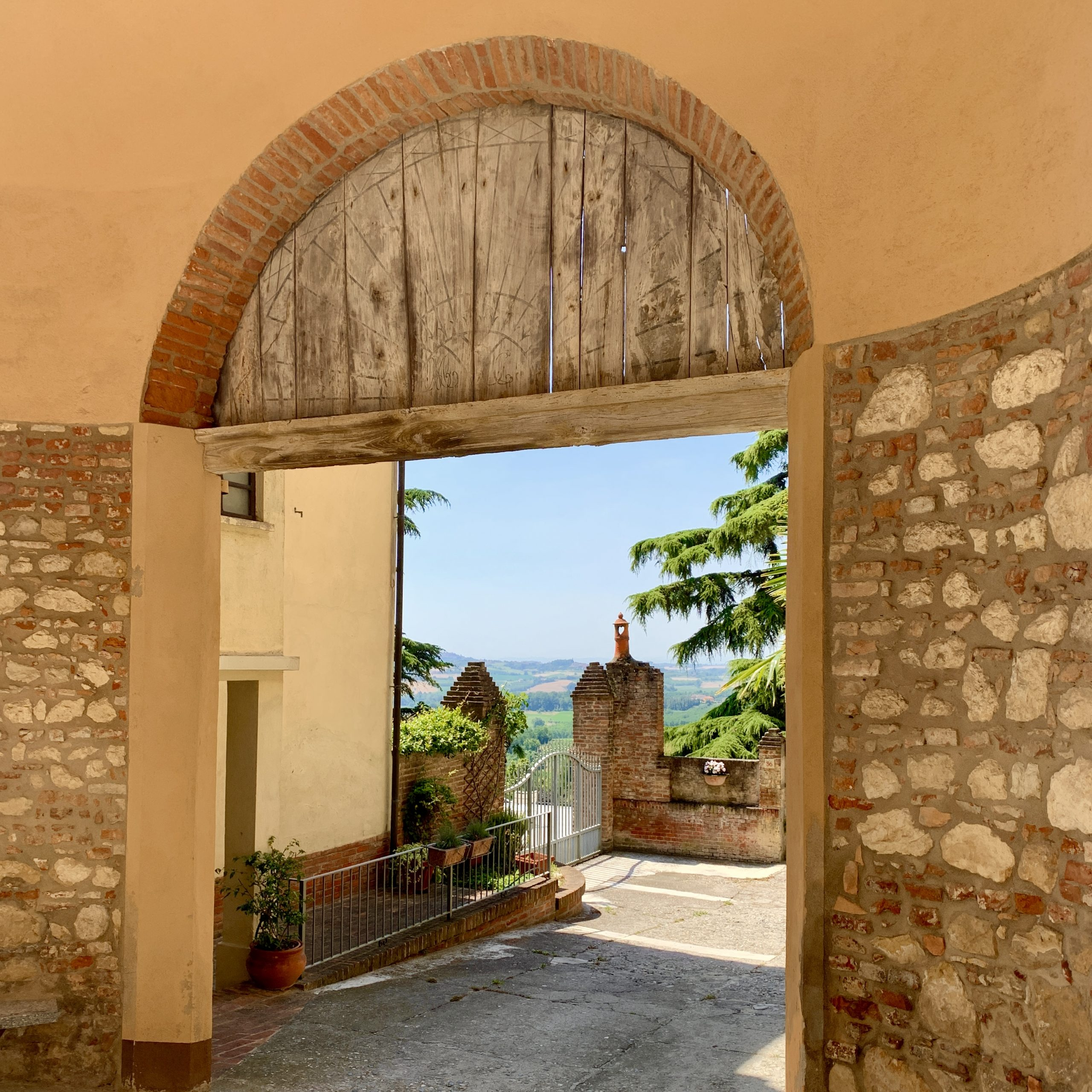 Cella Monte. A view.